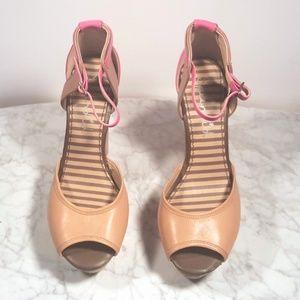 Splendid Platform Wedge Shoes NWOT